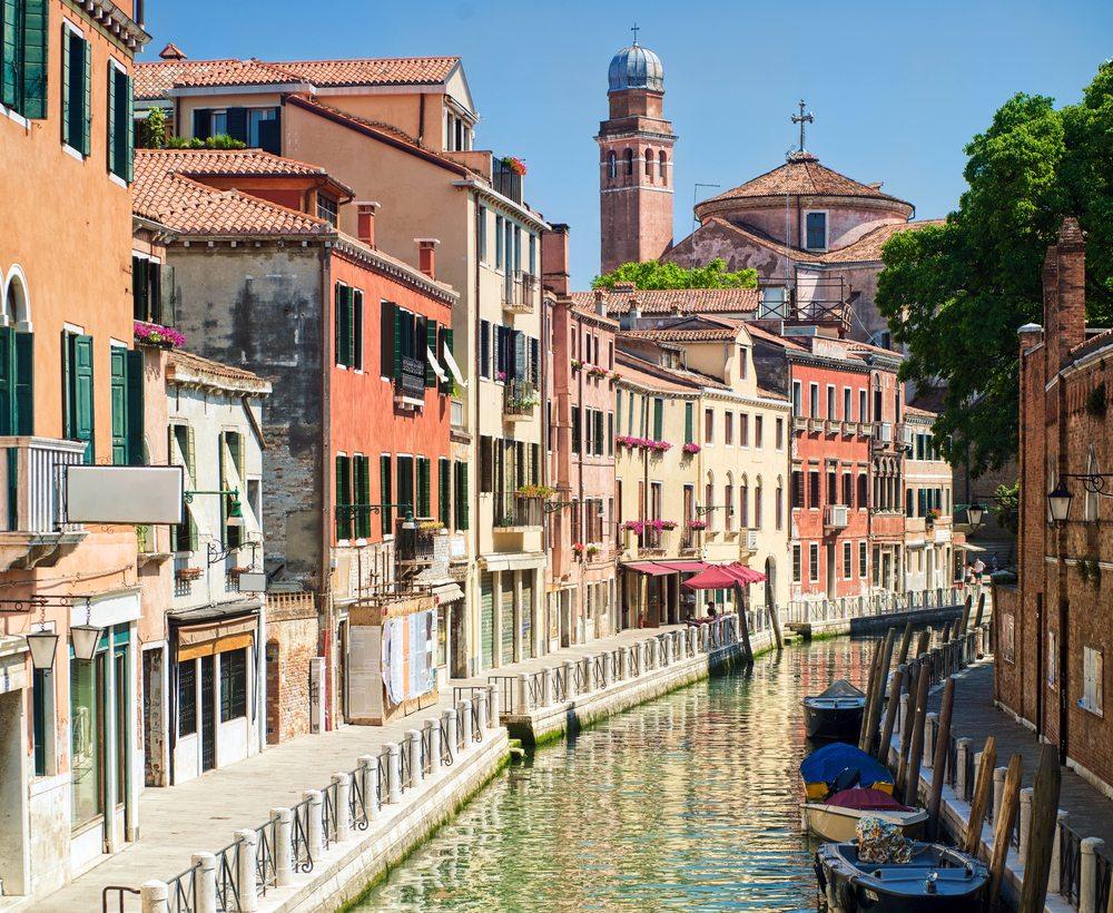 Channel street, Venice