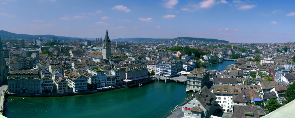 Pano-Zurich-CityScape-FromGrossMunster-RiverSide (1)