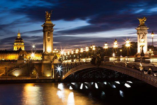 pont-alexandre-bridge-paris-at-night
